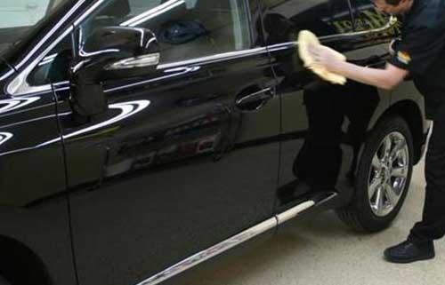 Mengulang Seluruh Langkah Memoles Mobil
