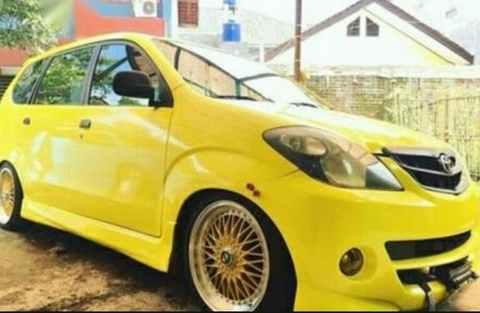 Modifikasi Daihatsu Xenia Kuning