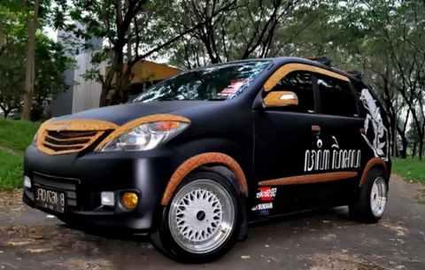 Modifikasi Daihatsu Xenia Velg dan Warna