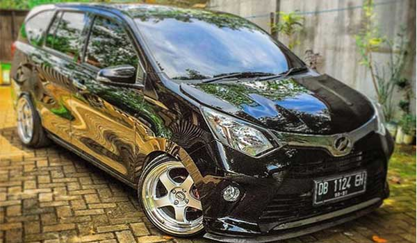 80 Koleksi Modifikasi Mobil Sigra Warna Hitam HD Terbaik