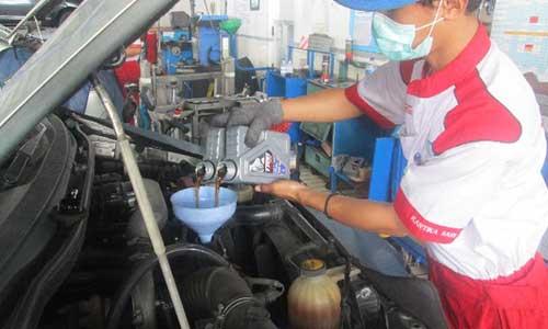 Cara Mengisi Oli Kompresor AC Mobil
